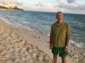 Akumal Beach at Sunset with Chuck Bolotin – Best Places In The World To Retire – International Living