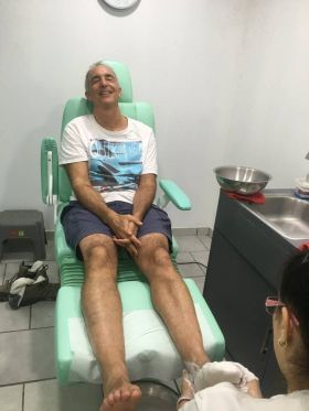 Chuck Bolotin at Dr. George Podiatrist, Ajijic – Best Places In The World To Retire – International Living