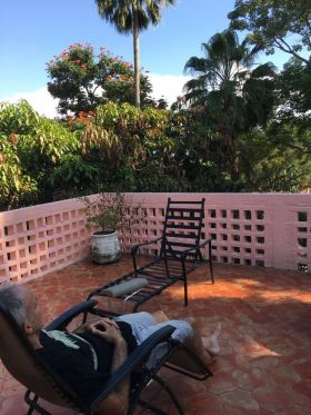 Chuck Bolotin relaxing in Ajijic mirador – Best Places In The World To Retire – International Living