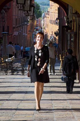 Ivy Del Pozzo walking in San Miguel de Allende – Best Places In The World To Retire – International Living