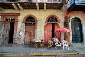 casco viejo, Panana hat vendor – Best Places In The World To Retire – International Living