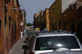 Driving through Sam Miguel de Allende, Mexico – Best Places In The World To Retire – International Living