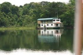 Houseboat on Lake Gatun, Panama – Best Places In The World To Retire – International Living