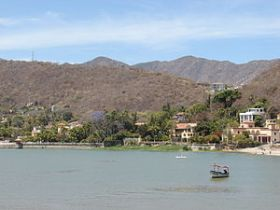 Houses along Lake Chapala, Mexico – Best Places In The World To Retire – International Living