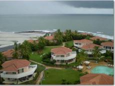 Houses on beach in Coronado, Panama – Best Places In The World To Retire – International Living