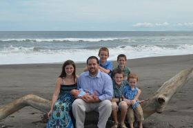 John Gilbert with his children in Panama – Best Places In The World To Retire – International Living