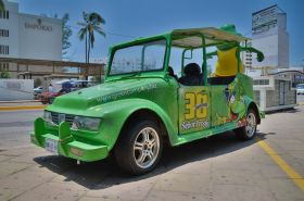 Taxi with an advertisement for Senior Frog, Mazatlan, Mexico – Best Places In The World To Retire – International Living