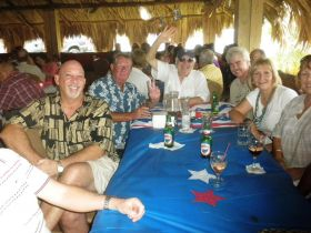 Expats in Panama at a table at a restauranat – Best Places In The World To Retire – International Living