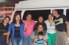 Jet Metier and Chuck Bolotin with family in Cordoba, Mexico
