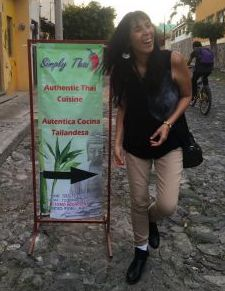 Jet Metier in Ajijic next to sign for Thai restaurant