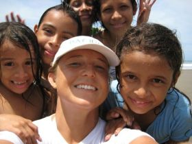 Kristin Wilson and local Nicaraguan kids – Best Places In The World To Retire – International Living