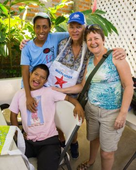 Making new friends at Manos Unidos in San Juan del Sur – Best Places In The World To Retire – International Living