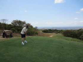 Playing golf in Boquete, Panama – Best Places In The World To Retire – International Living