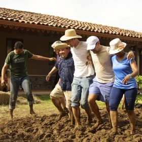 Team building during construction of traditional quincha in Panama – Best Places In The World To Retire – International Living