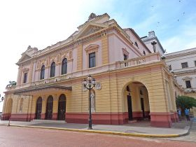 Teatro_Nacional,_Casco_Viejo – Best Places In The World To Retire – International Living