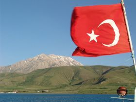 Turkish flag – Best Places In The World To Retire – International Living