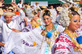 Women in traditional Panamanian dress; the pollera – Best Places In The World To Retire – International Living