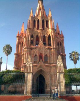 PARROQUIA in San Miguel de Allende daytime – Best Places In The World To Retire – International Living