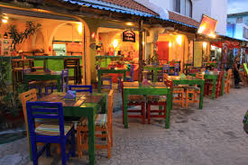Outside dining at restaurant in Isla Mujeres – Best Places In The World To Retire – International Living