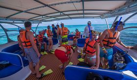 Boat with tourists off Isla Contoy – Best Places In The World To Retire – International Living