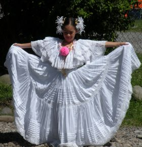 A school girl in traditonal Panamanian wedding dress. – Best Places In The World To Retire – International Living