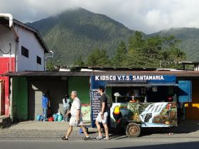 expats walking down the street in El Valle de Anton Panama – Best Places In The World To Retire – International Living