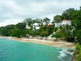 Upscale Homes on Contadora – Best Places In The World To Retire – International Living