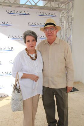 Coronado Panama clothing fashions early retiree couple – Best Places In The World To Retire – International Living