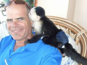 Michael Vuytowecz and new friend in Panama – Best Places In The World To Retire – International Living