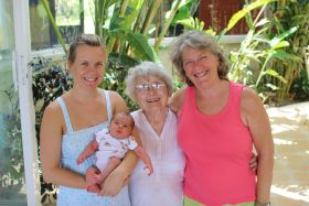 Tuey Murdock with mother, daughter and granddaughter – Best Places In The World To Retire – International Living